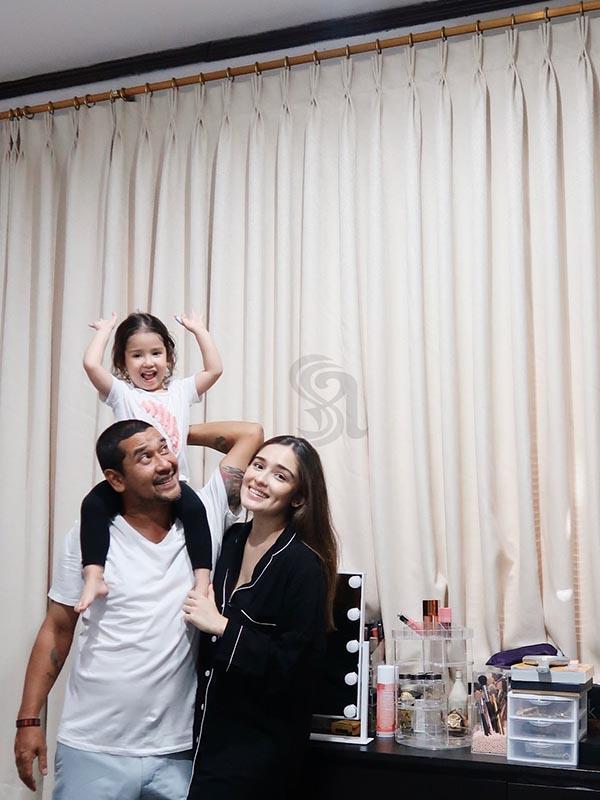Yasmine Wildblood Family